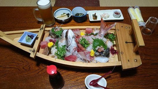 Kahoku, اليابان: コース最初に出てくる舟盛(二人前)