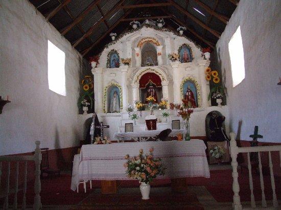 Interior de la iglesia de Codpa.