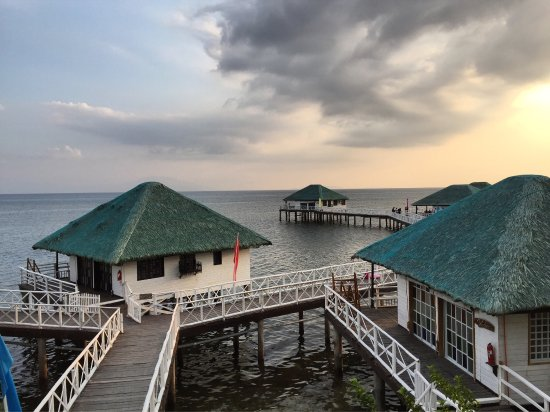 Stilts Calatagan Beach Resort: photo0.jpg