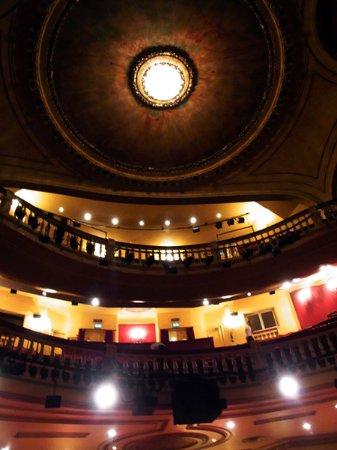 Playhouse Theatre: ドレスサークルとアッパーサークル