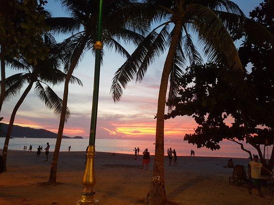 Patong Resort: 20170503_185238_large.jpg