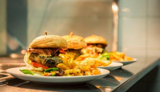 Dapto, Avustralya: The Ironbark Burger - Smokey Hickory Bacon and Special sauce  - a Winner