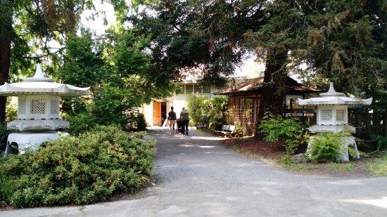 Lakeside Park and Garden Center