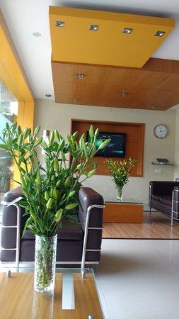 Meadows Residency - Ooty : Reception area