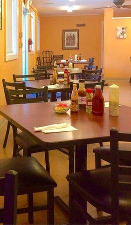 Rockdale, TX: Sho'Nuff Soul Food