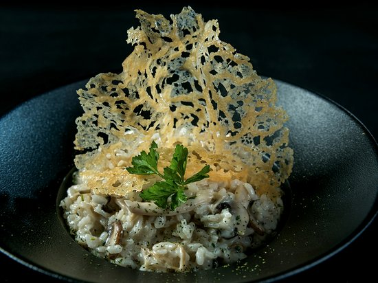 Seeb, โอมาน: Risotto served with a Parmesan Crisp
