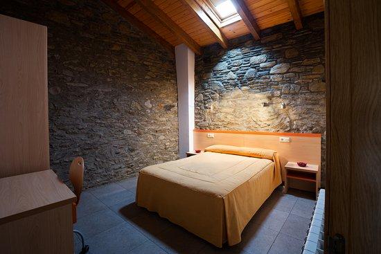 Anserall, España: Habitación doble Apartamento
