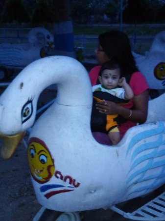 Chandannagar, Ấn Độ: Duck Ride, Toy Train also available