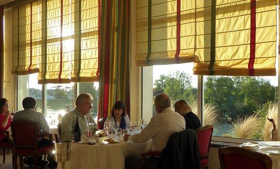 restaurant restaurant le 36 dans amboise avec cuisine