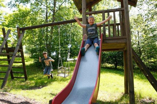 Waldblick Hotel Kniebis: Kinderspielplatz im Garten