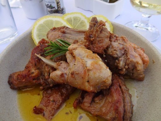 Moncarapacho, Portugal: Fried rabbit......amazingly good.