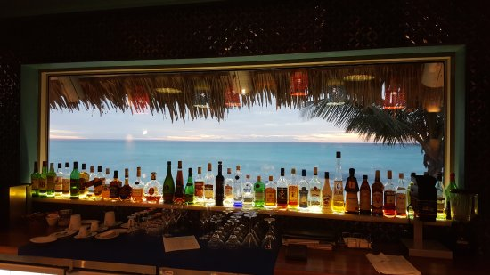 Quirimbas Archipelago, Mozambique: getting ready for sundowners at the bar