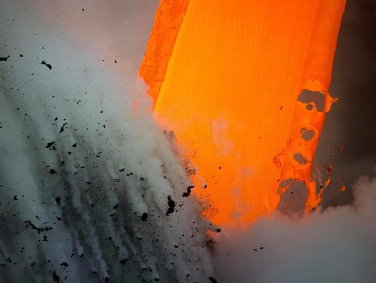 Pahoa, HI: more lava hose action