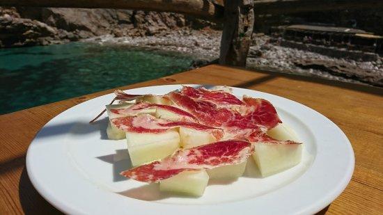 Ca's Patro March: Vorspeise Melonen mit Serrano Schinken, ein bisschen lieblos
