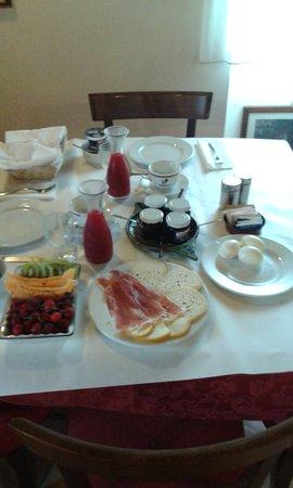 Smerillo, Italy: colazione -breakfast