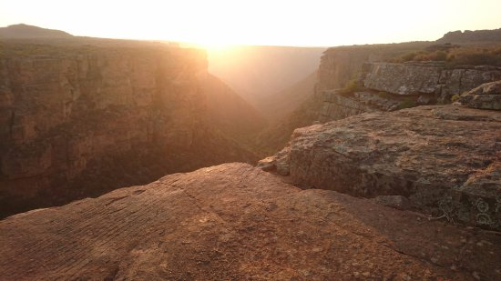 Papkuilsfontein Guest Farm: Sunset at the waterfall