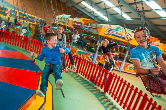 Begelly, UK: Chair-o-plane ride in the vintage fairground