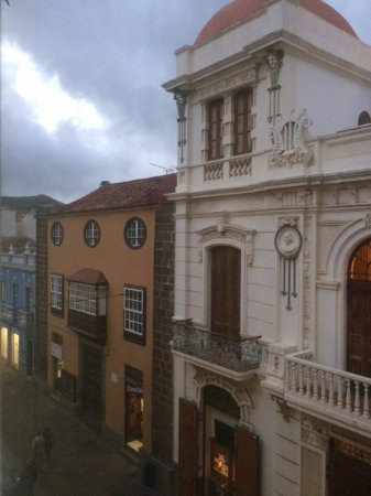 Hotel Aguere: The view of the pedestrian area in the historic center from my room