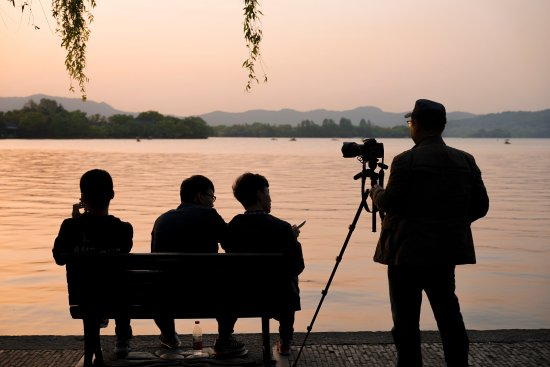 Hangzhou, China: Photographers at Westlake