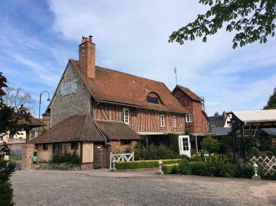 Martin-Eglise, France : The restaurant