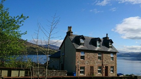 Stromeferry, UK: fantasic lochside location on Loch Carron; close to Plockton and Isle of Skye