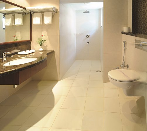 Amara Hotel: Deluxe Room Bathroom