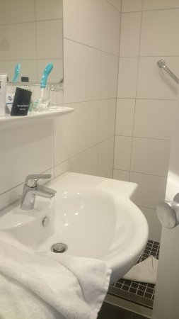 BEST WESTERN Hotel Bremen East: Bad nur mit Dusche