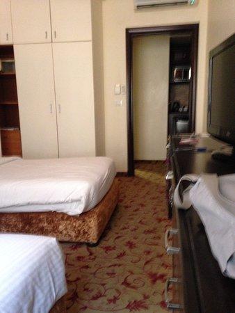 Queen's Suite Hotel : Standard-DZ