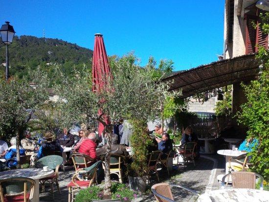 Salernes, Francia: La terrasse de l'Etcetera Café