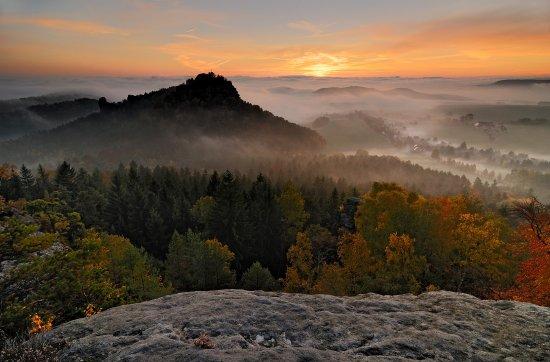 Gohrisch, Niemcy: Herbststimmung am Papststein