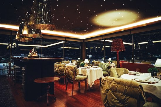 New Hotel: Art Lounge_roof top restaurant
