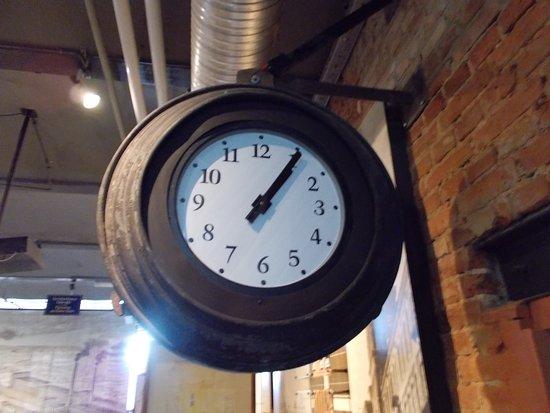 Museum of the Factory: Orginalny zegar fabryczny