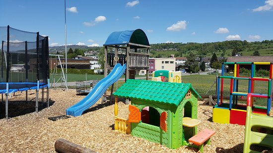 kinderspielplatz picture of restaurant emaus zufikon tripadvisor. Black Bedroom Furniture Sets. Home Design Ideas