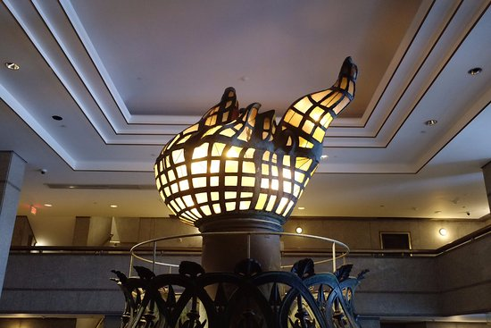 la flamme l 39 int rieur du mus e picture of statue of liberty new york city tripadvisor. Black Bedroom Furniture Sets. Home Design Ideas