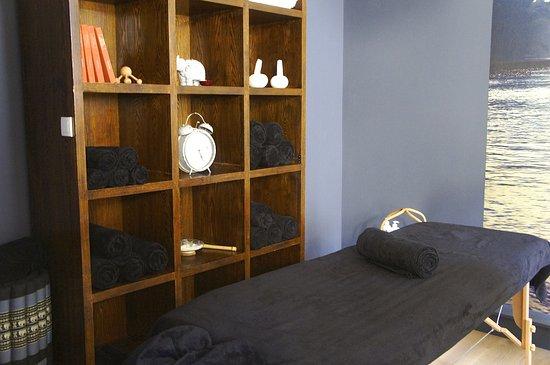 Salon De Massages Soins Visages Et Soins Du Corps R Alis S Avec Des Produits Certifi S Bio