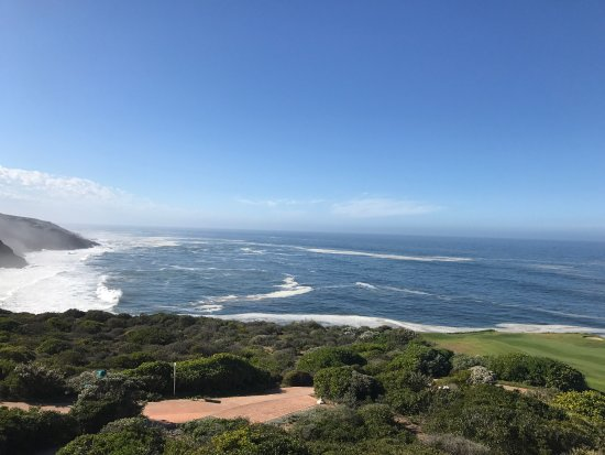 Pinnacle Point Beach and Golf Resort: photo3.jpg