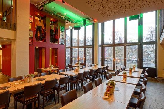 Ausgefallene Speisen in entspannter Atmosphäre - HÖHNERStall, Köln ...