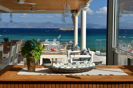 Nea Chryssi Akti, Yunani: veranda blue restaurant sea view