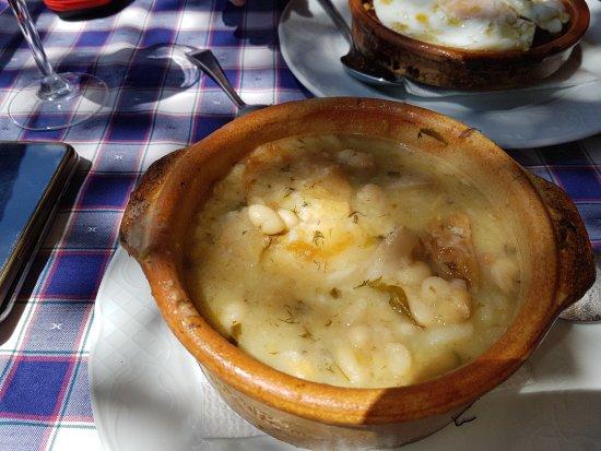 Capileira, Ισπανία: Puchero de hinojos típico de la zona.