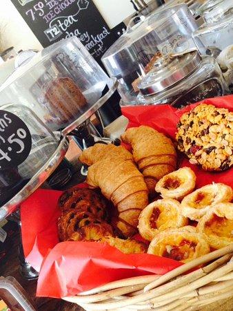 Millthorpe, Australia: daily pastries