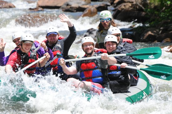 Ocoee, TN: 5 college students, a professor & Julian (the best guide on the river)