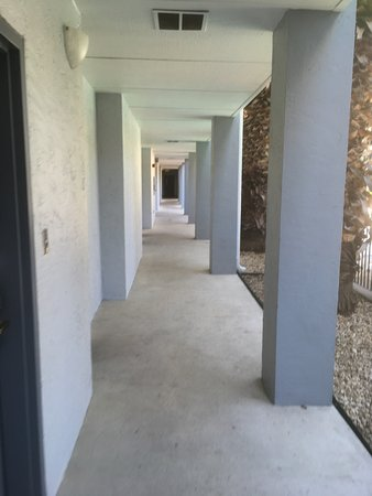 Howard Johnson Inn and Suites Central San Antonio: photo1.jpg
