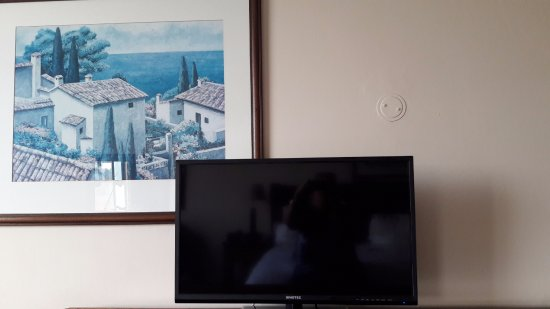 Vereeniging, South Africa: TV in front of picture in room
