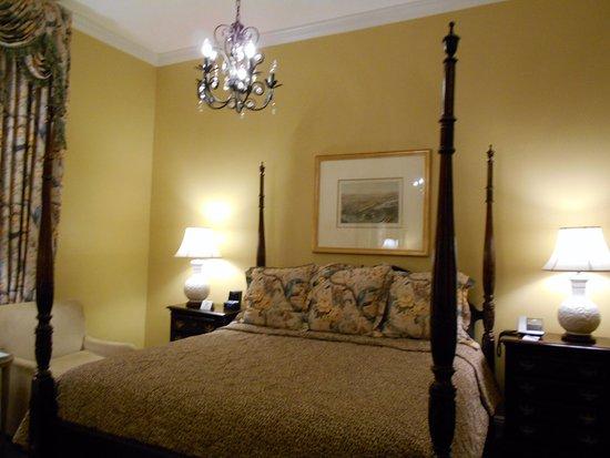 Bienville House: Hermosa, limpia, amplia, luminosa, de gran estilo
