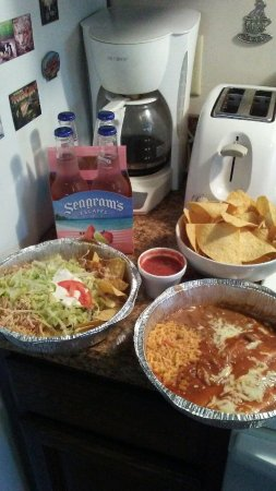 Lemoyne, PA: Celebrating Cinco de Mayo with GREAT take-out from El Rodeo!