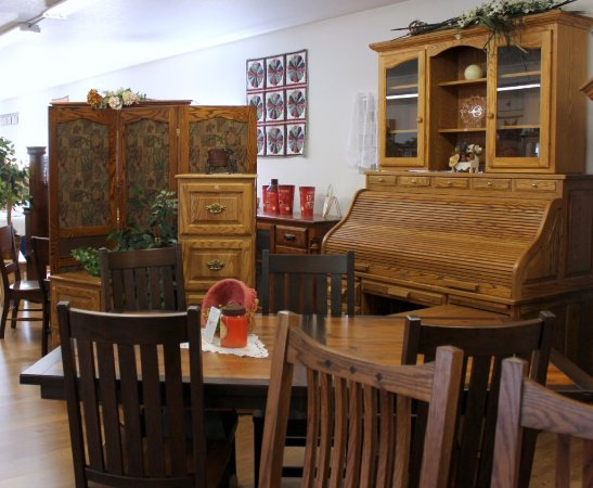 Grabill, IN: Handcrafted Amish furniture at Katie's Kountry Korner
