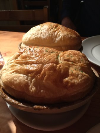 The Crown & Tuns - Puddingface, The Pie Place: Steak and Mushroom Pie in a Brandy Cream Sauce