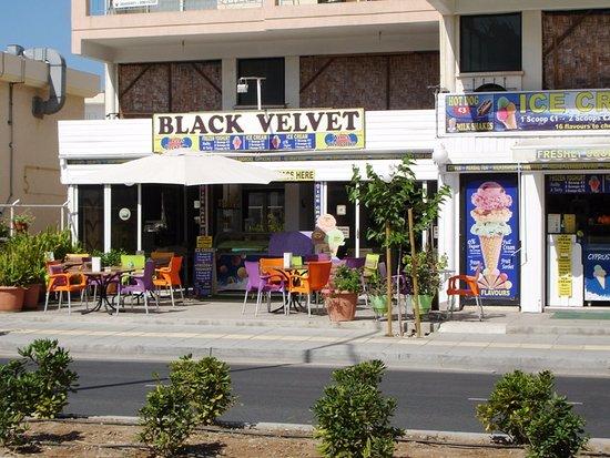 Black Velvet Cafe-Bar-Tavern