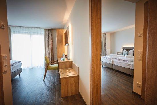 Familienzimmer Zimmer Mit Verbindungstur Picture Of Vital Hotel An Der Therme Gmbh Bad Windsheim Tripadvisor