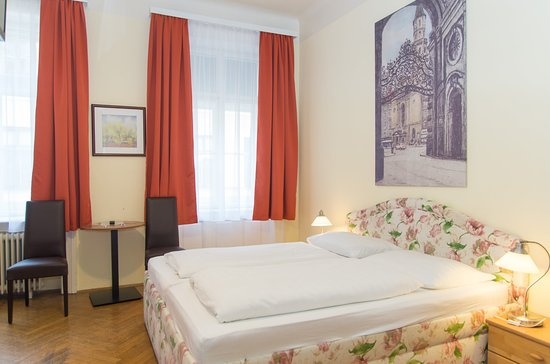 Hotel-Pension Lehrerhaus: Double Room Comfort Shower/WC, Free WIFI, Sat-TV